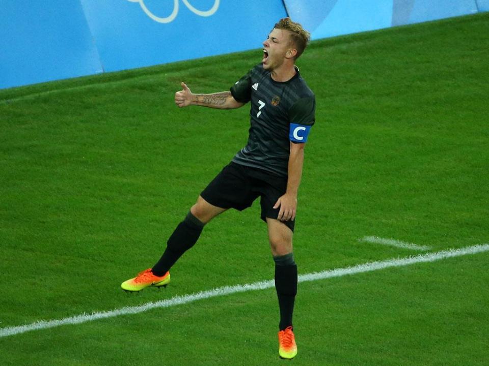 Alemanha: Meyer foi suspenso e não volta a jogar pelo Schalke
