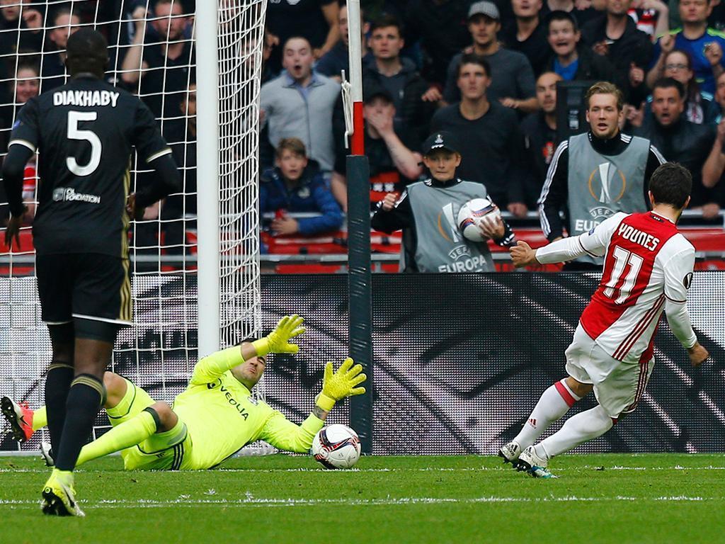 Ajax deixa-se empatar e distância para o PSV pode aumentar ainda mais
