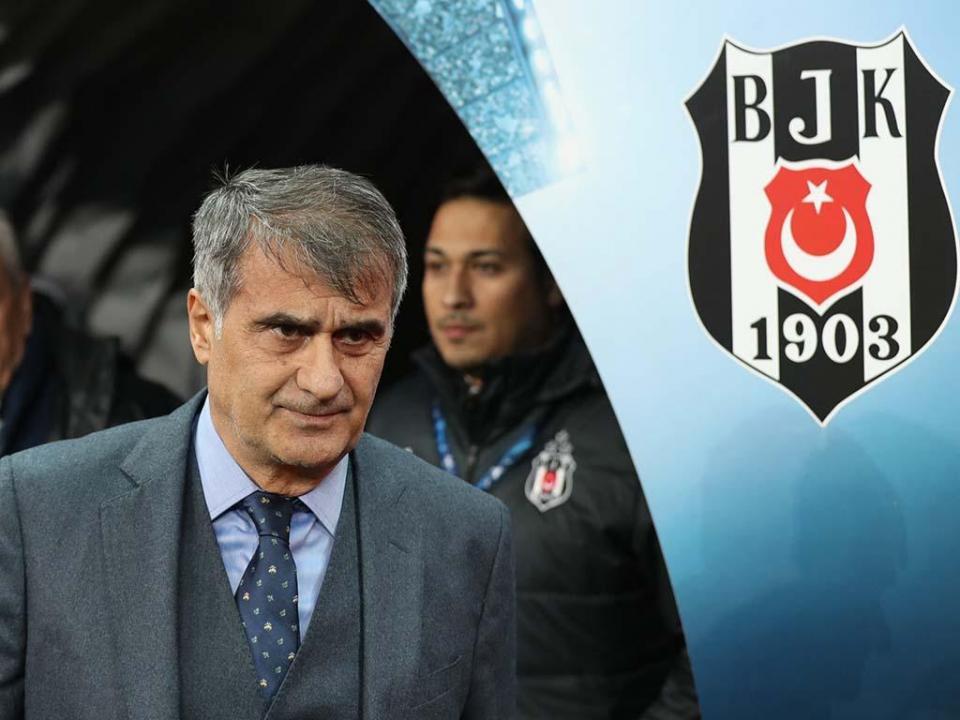 Turquia: Quaresma e Pepe titulares na derrota do Besiktas