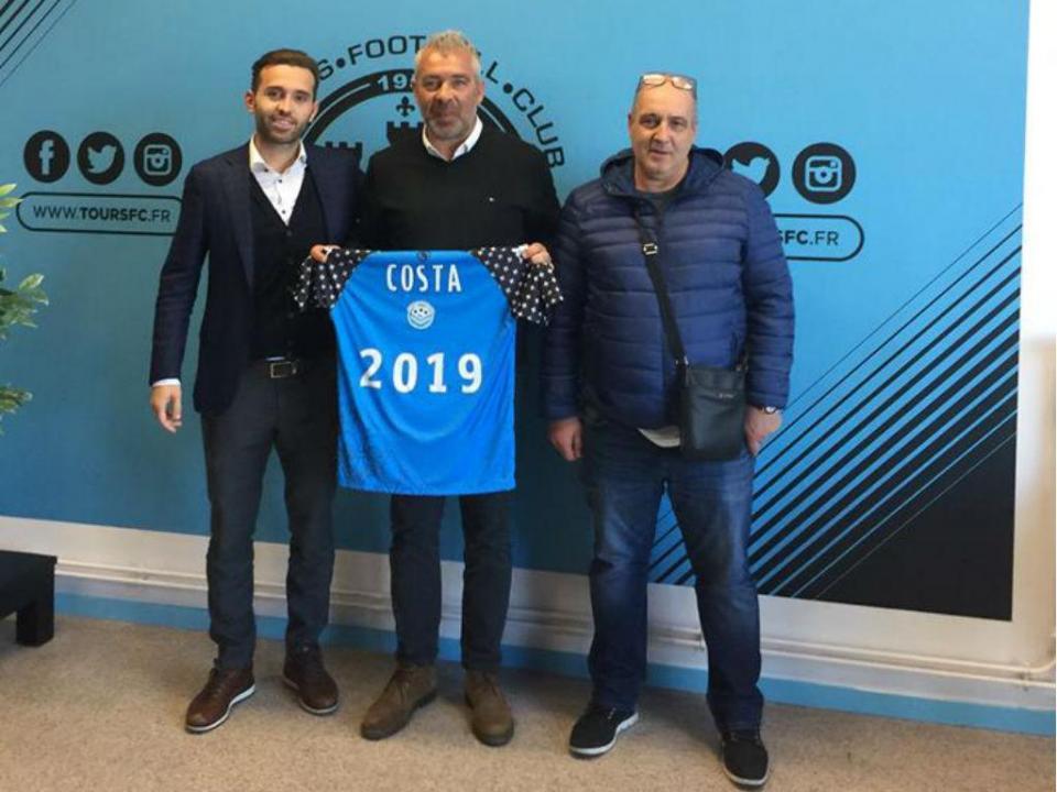 França: Jorge Costa sofre empate em inferioridade numérica
