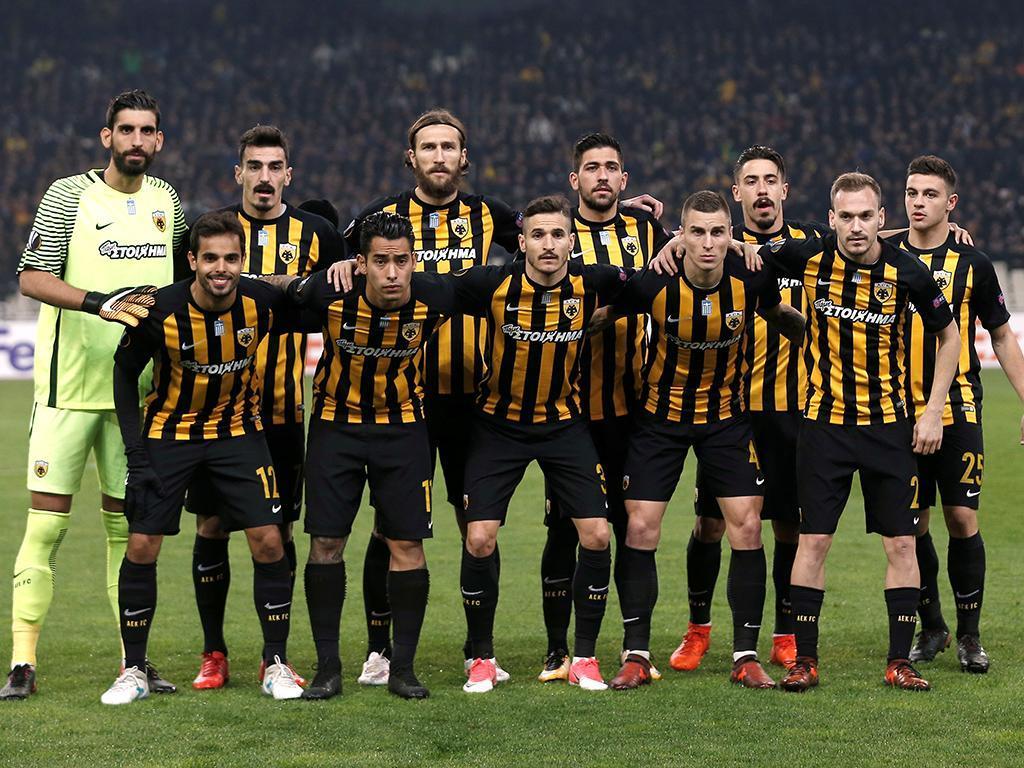 AEK Atenas vence com André Simões a titular e lidera