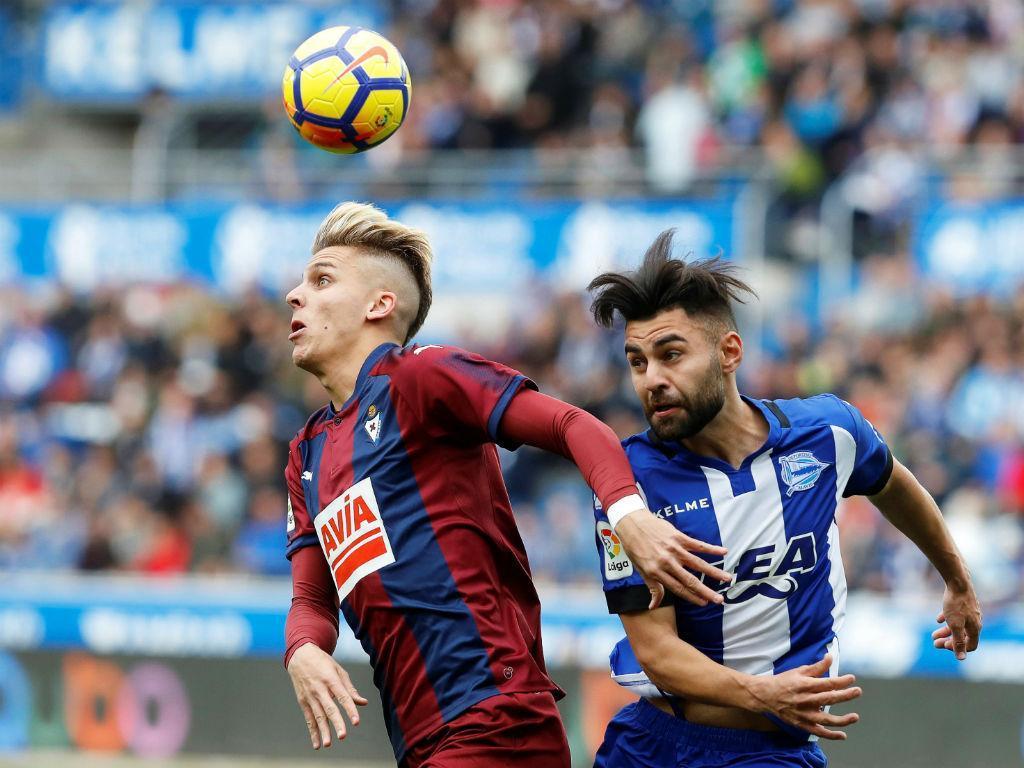 Espanha: Paulo Oliveira vence dérbi com três golos e duas expulsões