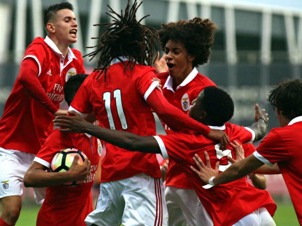 Juvenis: Benfica goleia, FC Porto vence em Vila do Conde