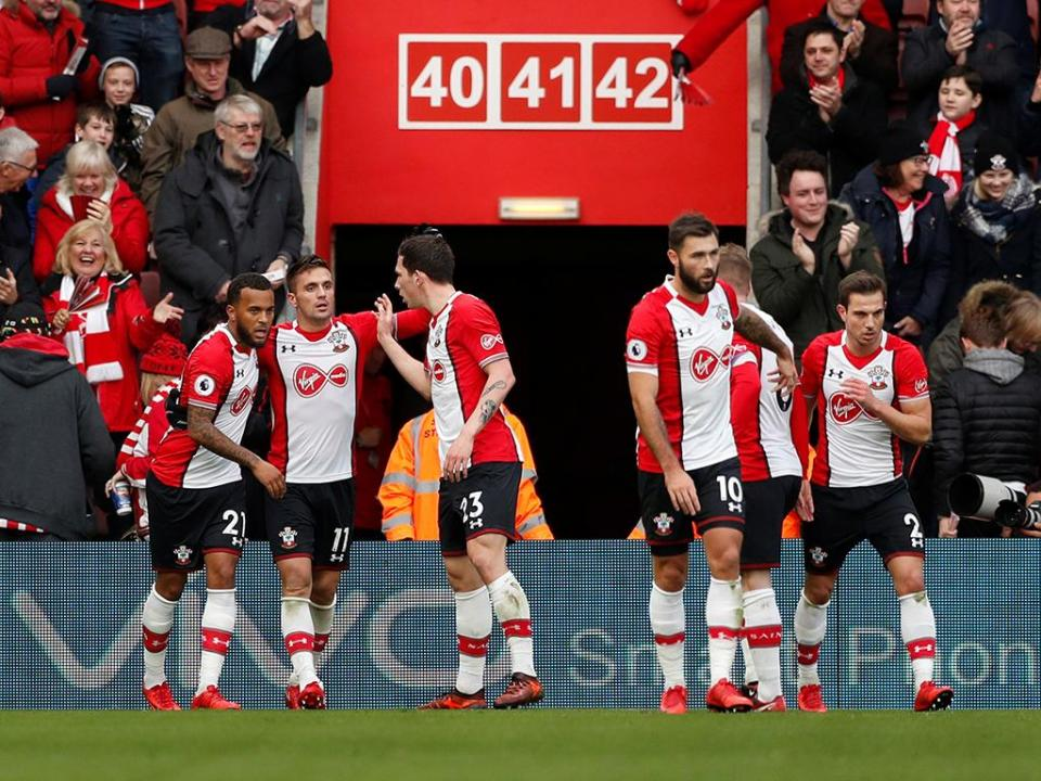 Inglaterra: Southampton de Cédric acentua crise do Everton