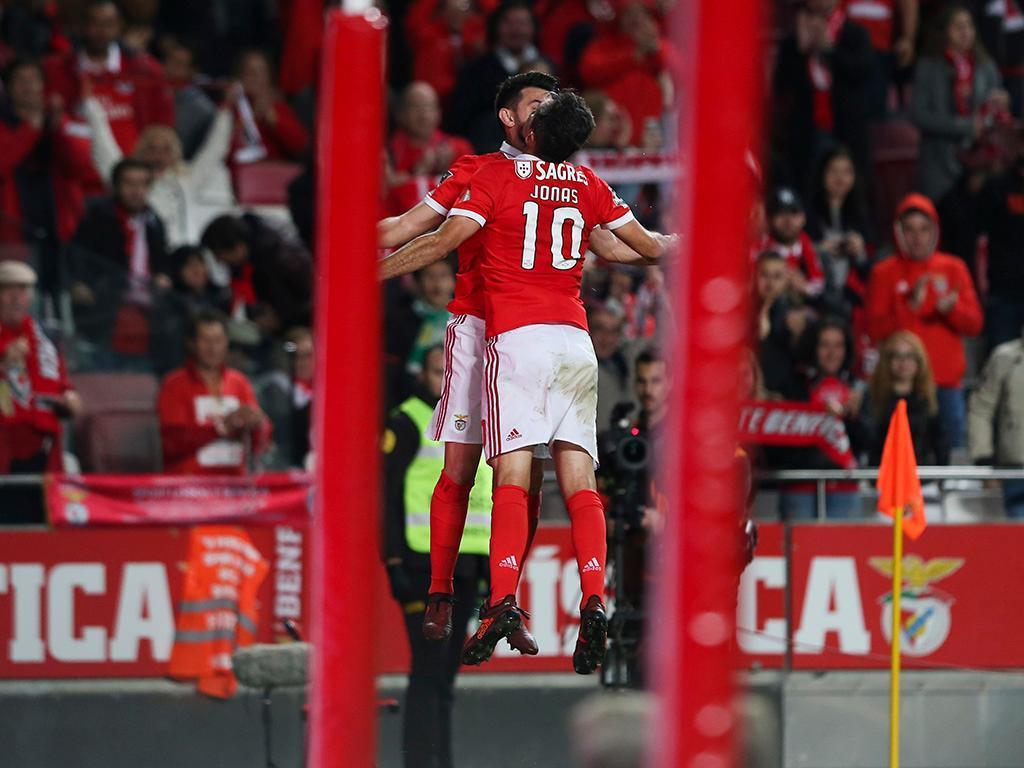 Benfica-V. Setúbal, 6-0 (destaques)