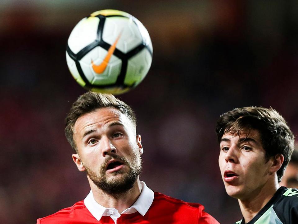Nacional-Benfica: os onzes iniciais