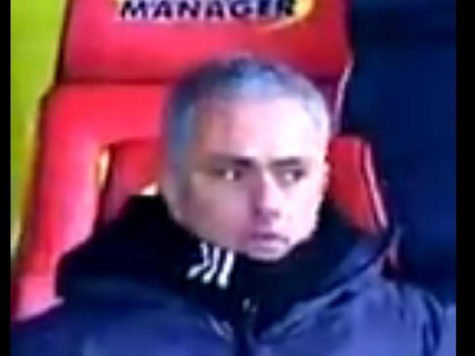 VÍDEO: a divertida reação de Mourinho ao golaço de Young