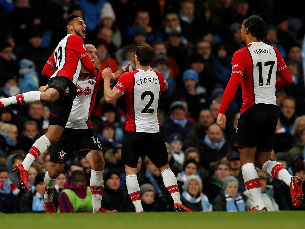 Inglaterra: Cedric Soares eleito jogador do mês do Southampton