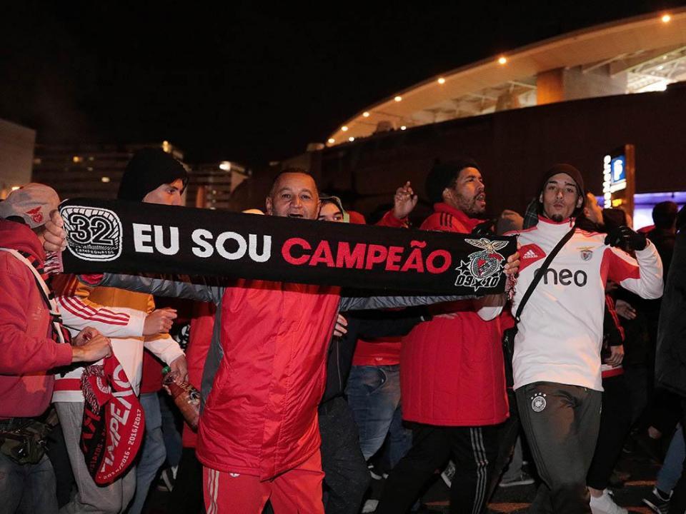 Benfica anuncia lotação esgotada para jogo com Feirense