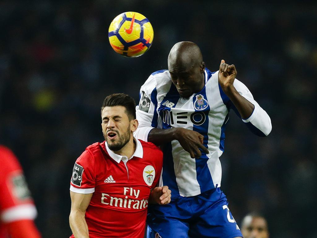 Invasão de espectador no Dragão vale multa ao FC Porto — Clássico