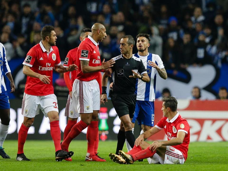 ad7d5b7318 Clássico sem golos permite ao Sporting chegar ao topo da classificação