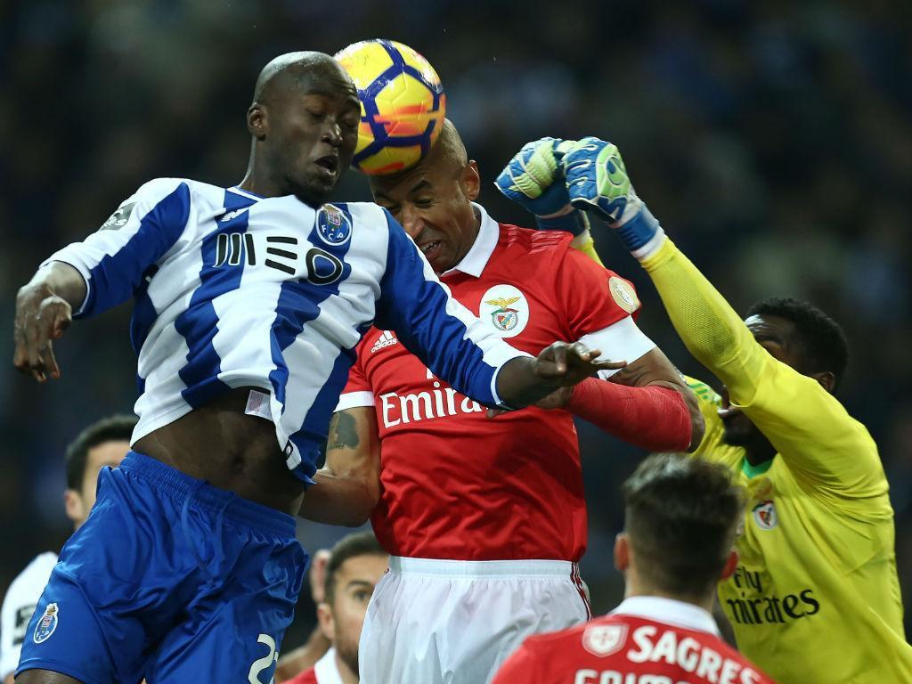 Empurrão a Pizzi vale multa ao FC Porto — Nada de interdição