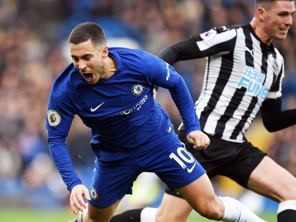 Chelsea vence Newcastle e pressiona Mourinho