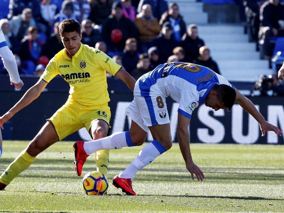 OFICIAL: Villarreal renova com guarda-redes e médio