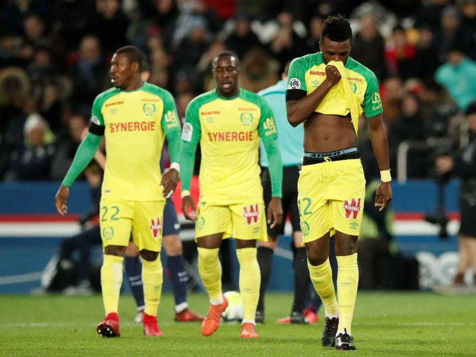 Nantes empata em St. Étienne com Chidozie a titular