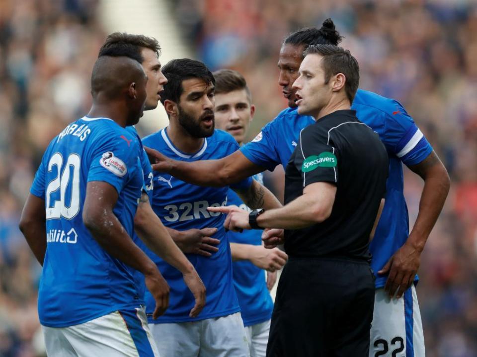 Rangers (com Bruno Alves e Candeias) surpreendido pelo Kilmarnock
