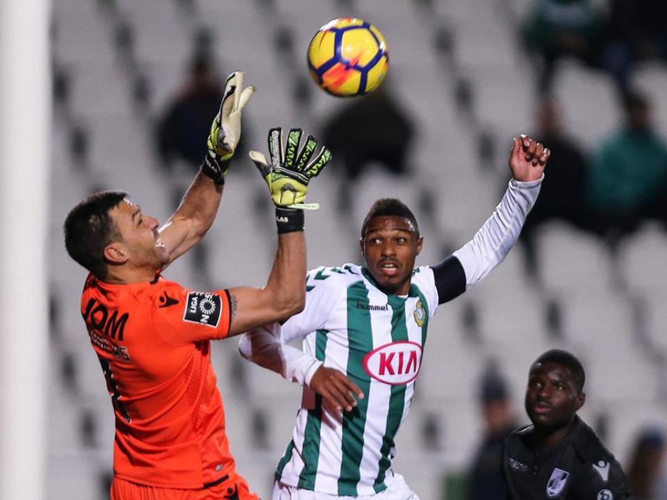 Douglas: «Konyaspor? Temos de fazer a nossa parte»