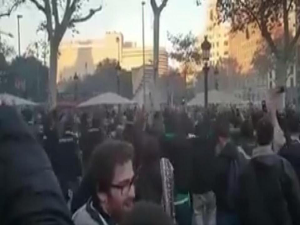 VÍDEO: adeptos do Sporting fazem a festa nas ruas de Barcelona
