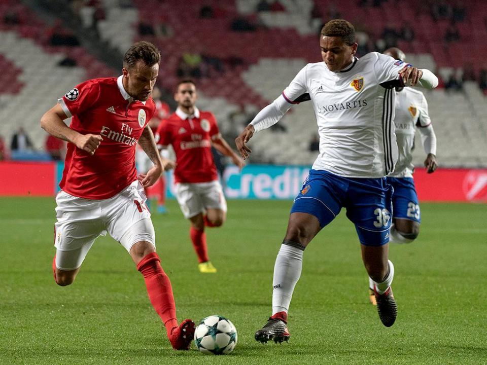 Benfica: Seferovic já treina, trio de fora
