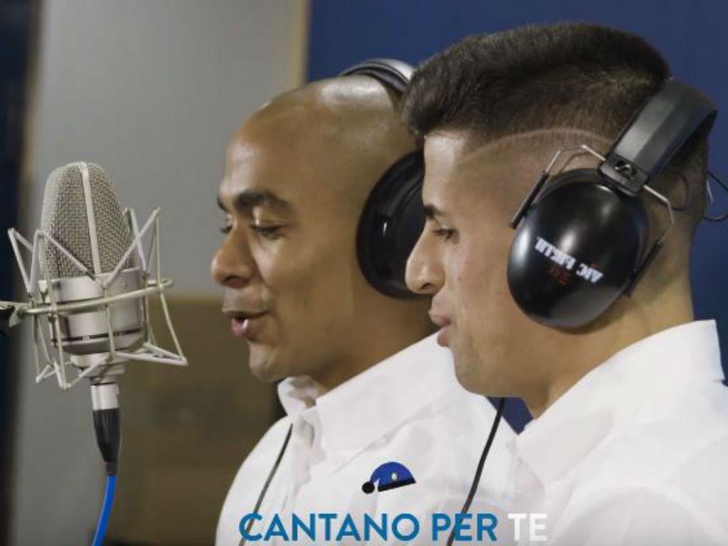 VÍDEO: Cancelo e João Mário cantam versão alternativa do «Jingle Bells»