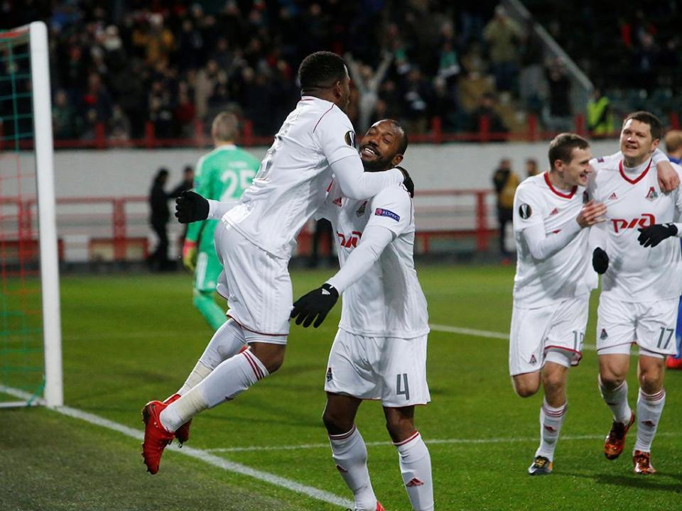 Eder e Manuel Fernandes titulares na derrota do Lokomotiv