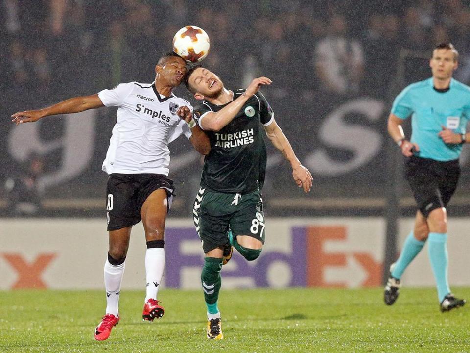 LE: V. Guimarães-Konyaspor, 1-1: VITÓRIA ELIMINADO