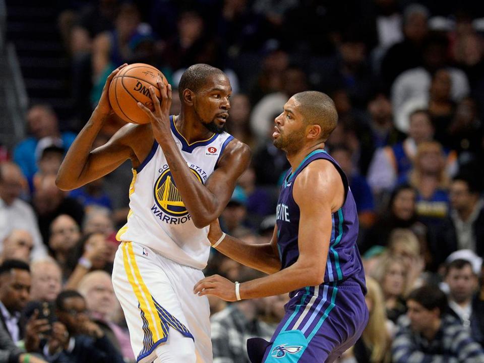 NBA: Kevin Durant renova com os Warriors