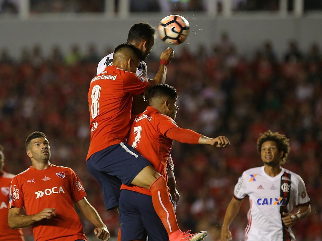 Supertaça sul-americana: Independiente no Brasil reforçado com bruxo