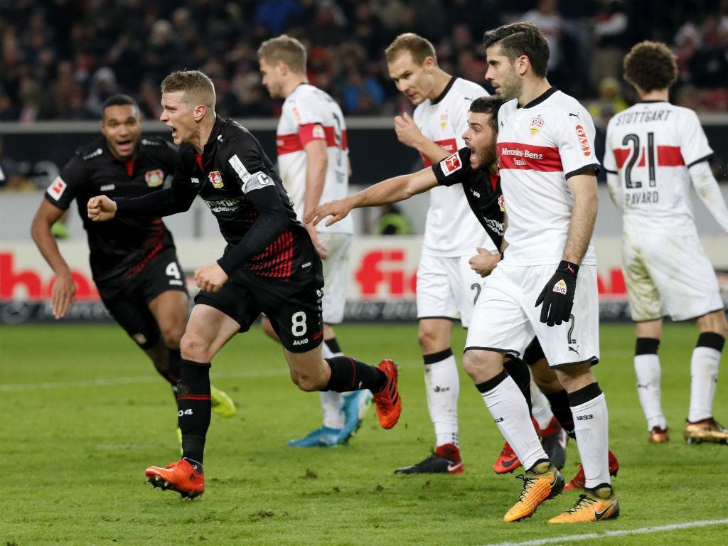 Alemanha: Leverkusen passa a noite em lugar de Champions