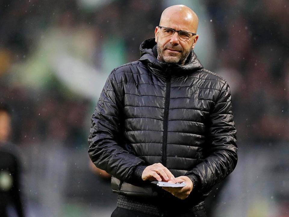 OFICIAL: Peter Bosz deixa o Dortmund e já há substituto