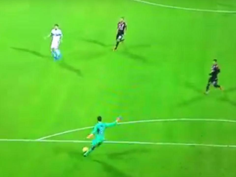 VÍDEO: golo insólito lança Cagliari para empate com a Sampdoria