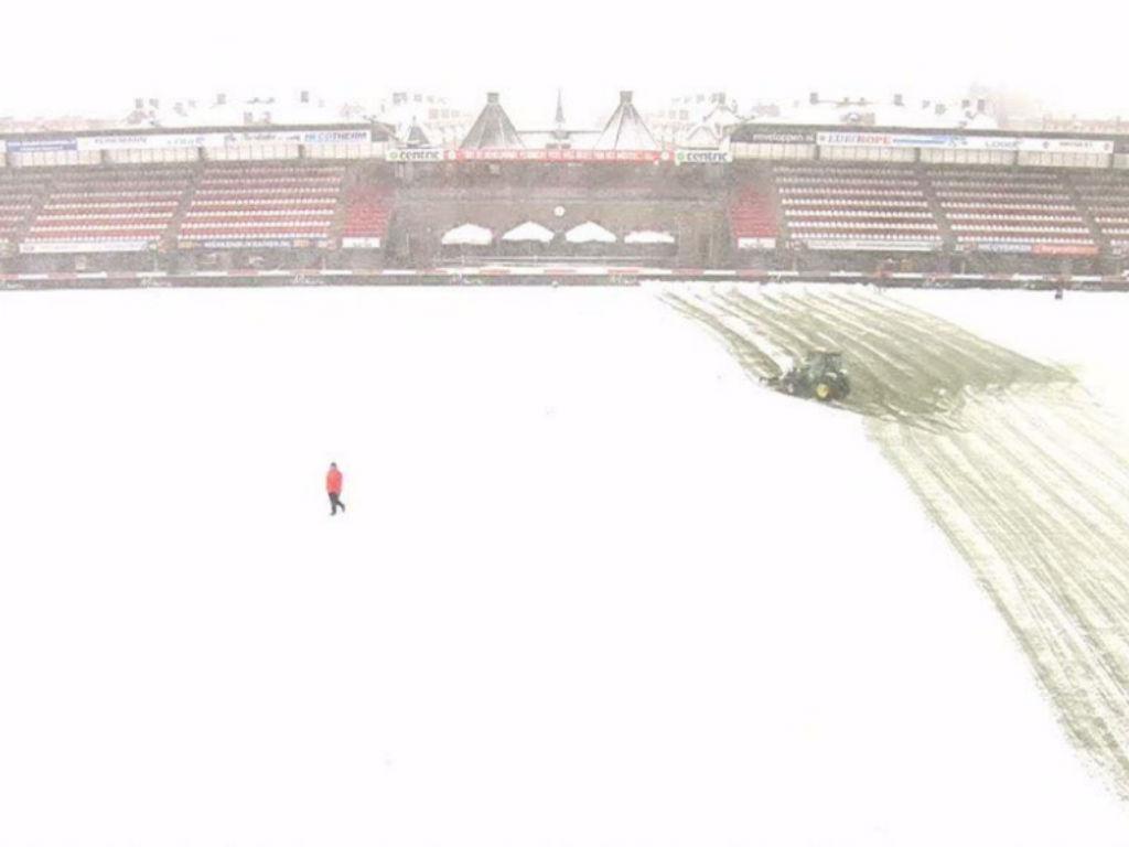 Holanda: dois jogos da liga adiados devido à neve