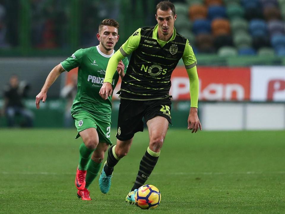 Portimonense-Sporting (onzes): Petrovic no centro da defesa