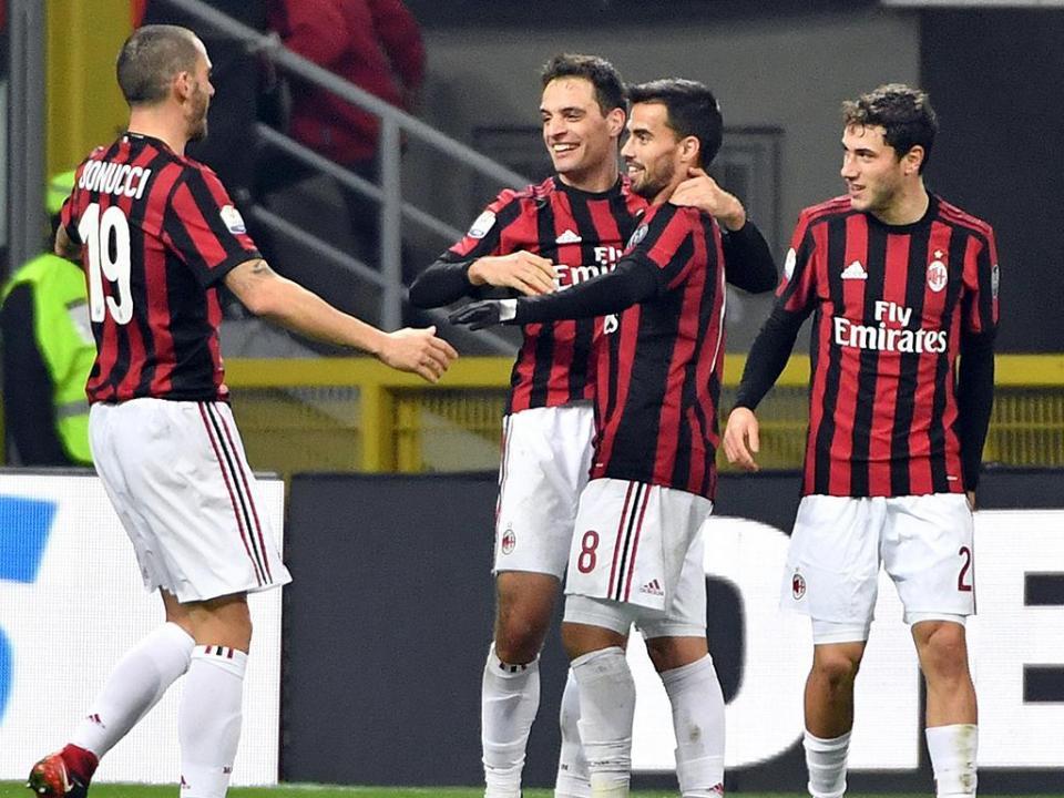 AC Milan anuncia concentração por tempo indeterminado