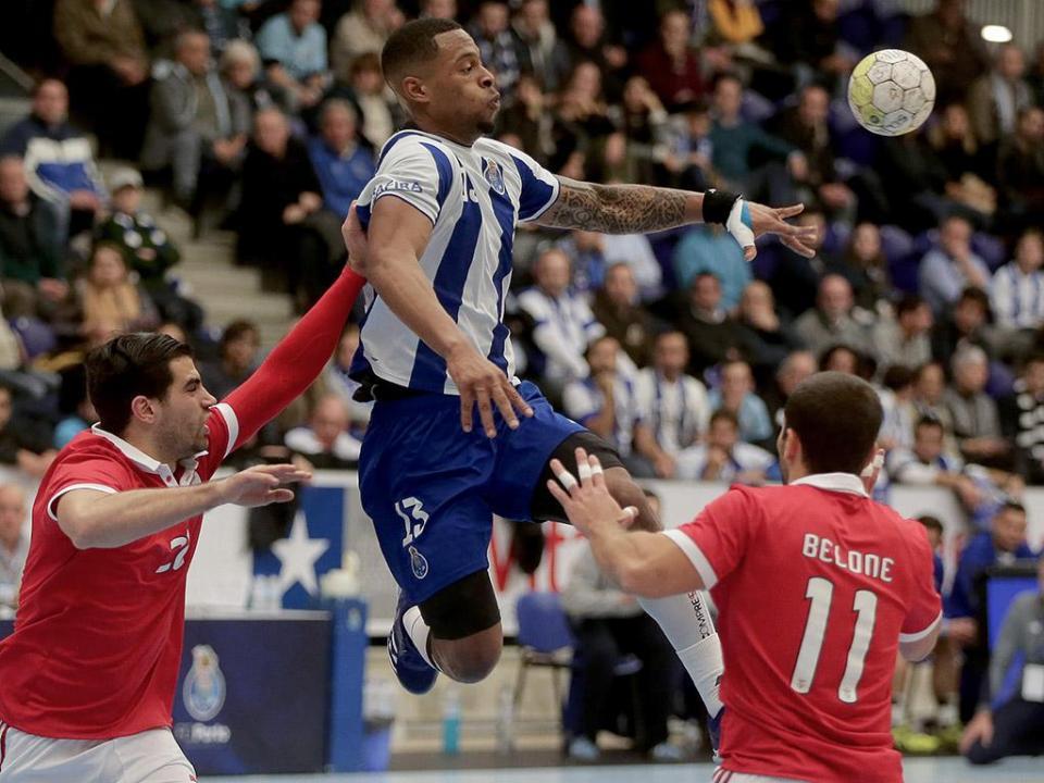 Andebol: FC Porto e Benfica perseguem Sporting