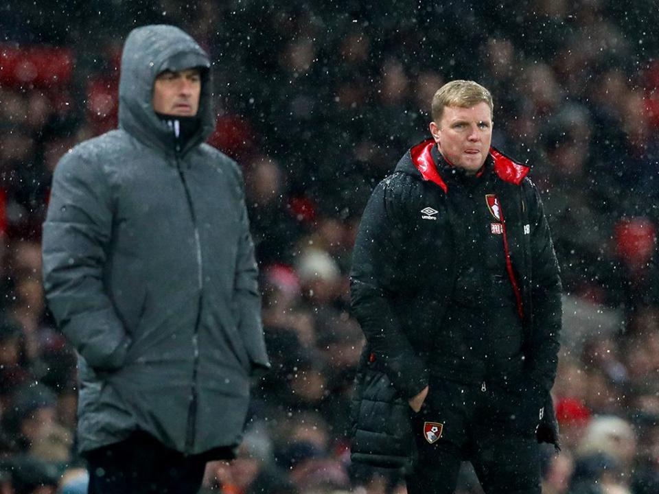 Mourinho e Carvalhal perdem prémio de treinador do mês para Howe
