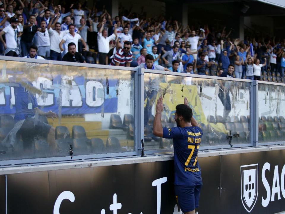 Rui Costa, promessa na II Liga: «Nenhum clube tem adeptos como o Famalicão»