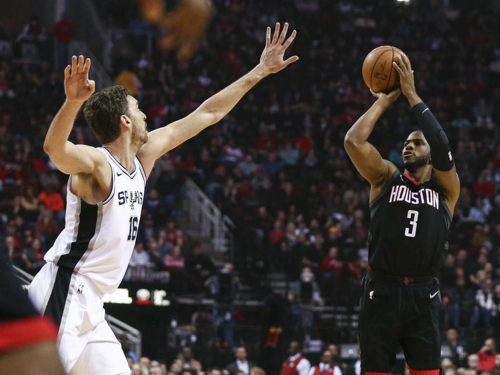 NBA: Rockets batem Spurs e somam doze vitórias seguidas