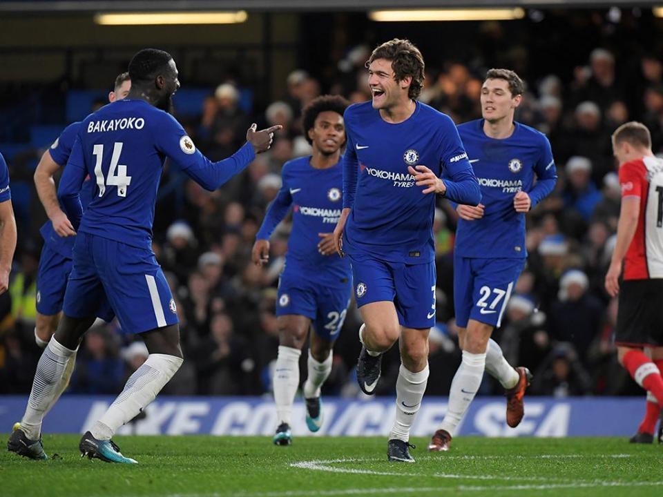 Golo nos descontos apura Chelsea para as meias da Taça da Liga