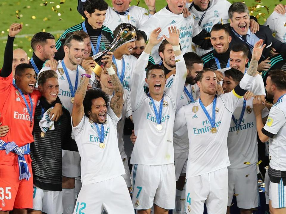 Cristiano Ronaldo e mais dez numa equipa do ano em tons blancos