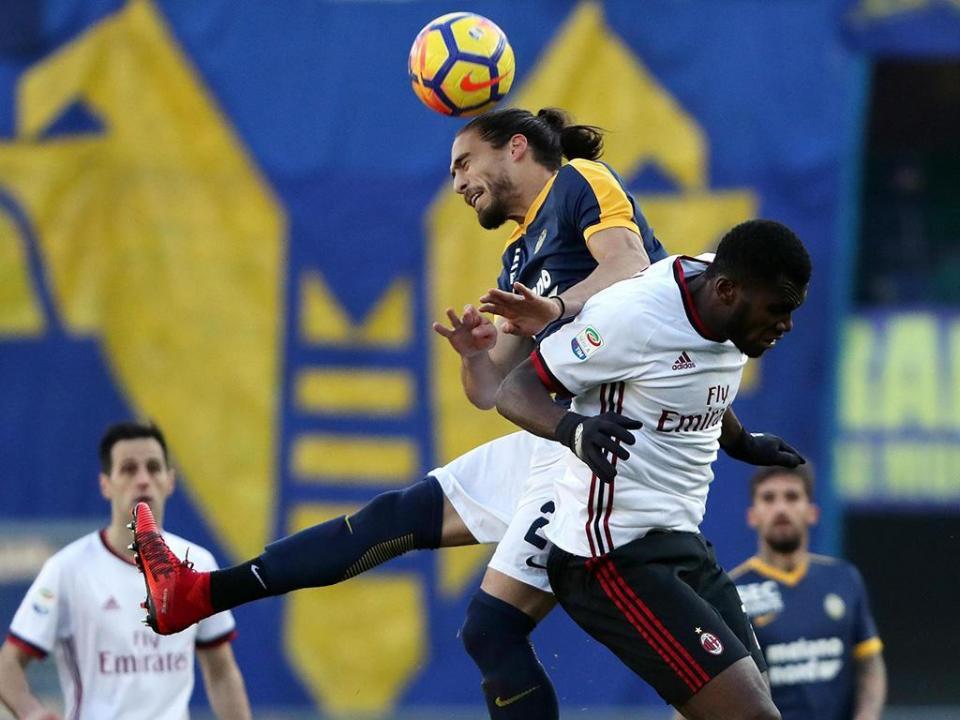 AC Milan perdido em Verona: derrota de 3-0 em casa do penúltimo