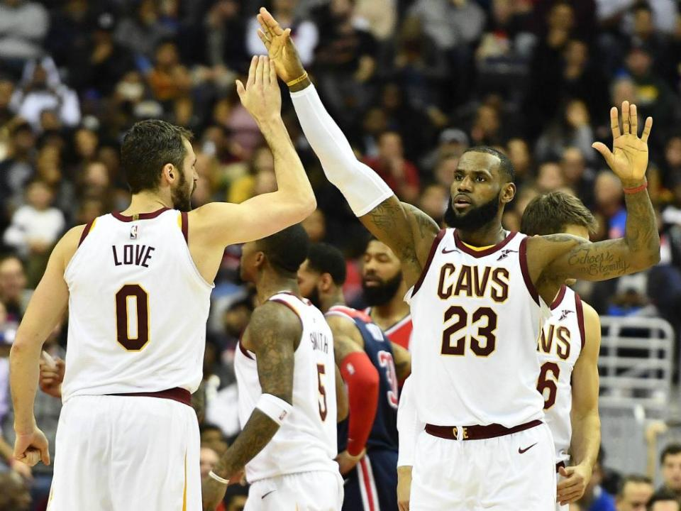 NBA: LeBron James guia Cavaliers ao empate nos play-off