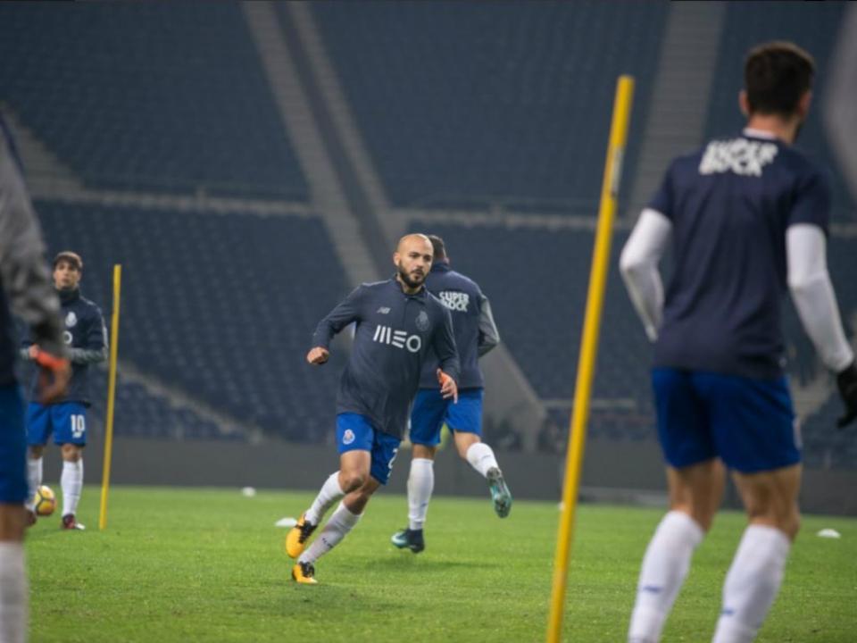 FC Porto treinou esta noite no Dragão para preparar Taça da Liga