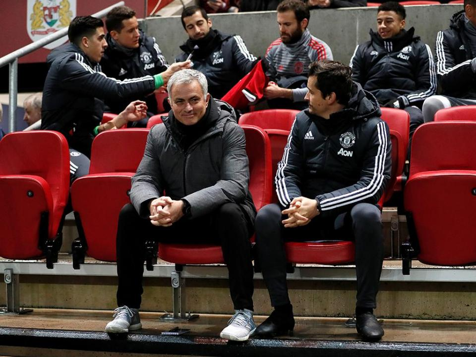 Mourinho eliminado da Taça da Liga por equipa do Championship