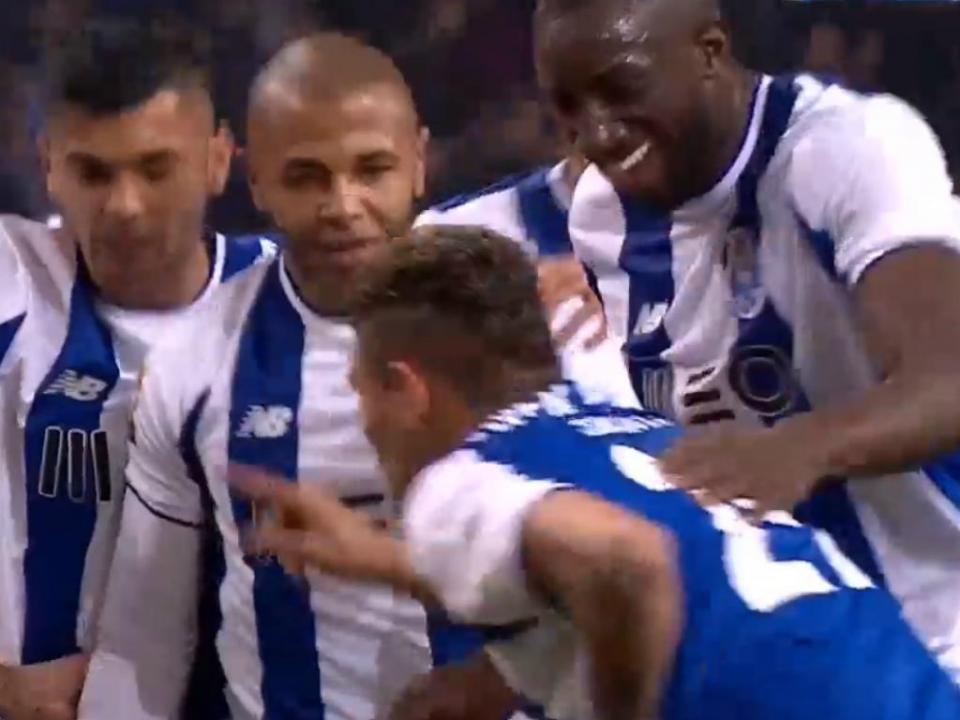 VÍDEO: passe magistral de Herrera para o golo de Soares