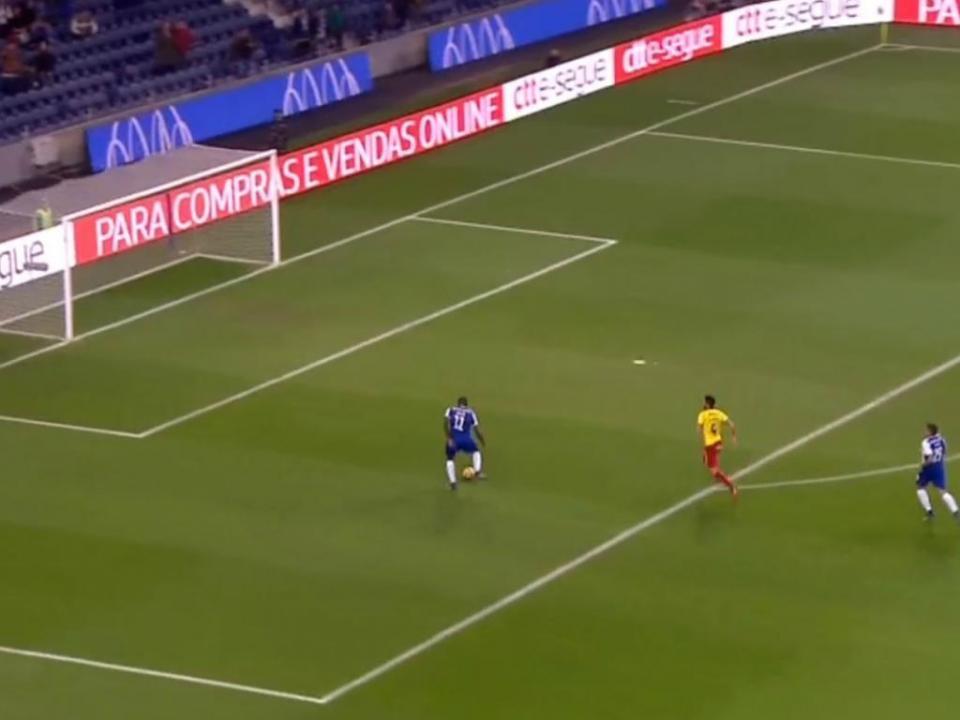VÍDEO: Brahimi fez meio golo e Marega a outra metade