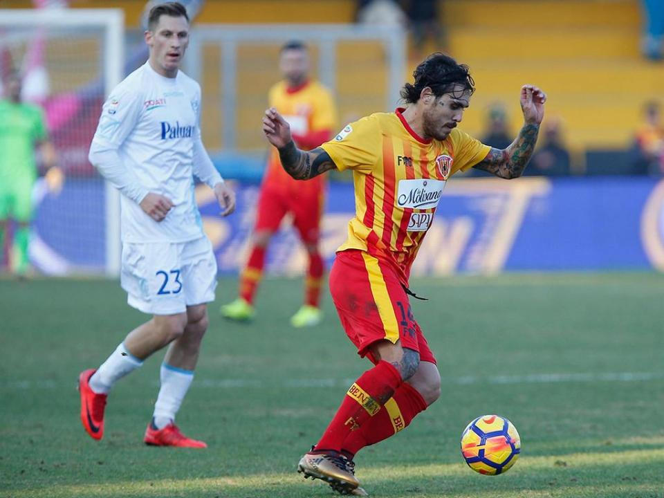 Condenado Benevento soma vitória mais confortável da época