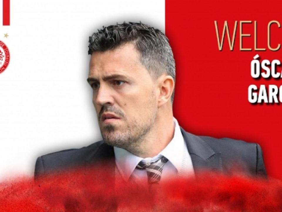 Olympiakos: treinador recebe alta hospitalar após agressão