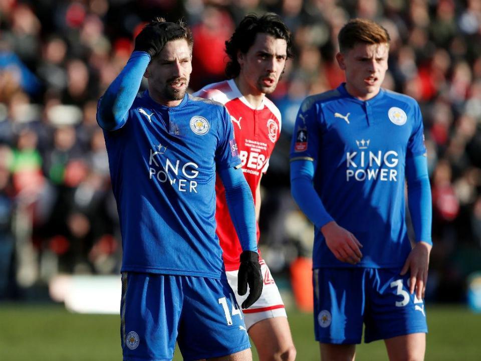 Leicester e Valência empatam em jogo com três portugueses