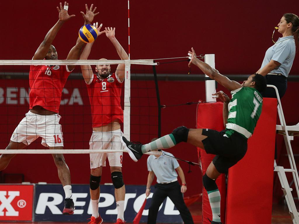 Voleibol: Benfica vence em Esmoriz e aumenta vantagem à condição